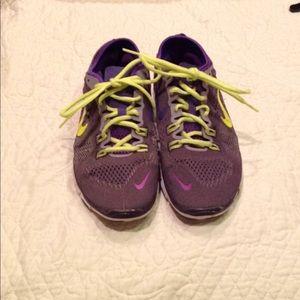 Nike Free 5.0 women's tennis shoes. Size 8.5